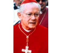 Le cardinal James Aloysius Hickey