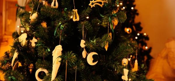 Addobbi natalizi in legno decorazioni natalizie sostenibili - Decorazioni natalizie moderne ...